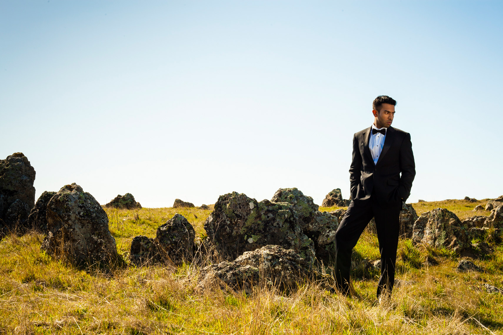 editorial_lifestyle_male_man_tuxedo_nature_landscape_Amanda_Hibbert_Photography_1__MG_4633_DesignX