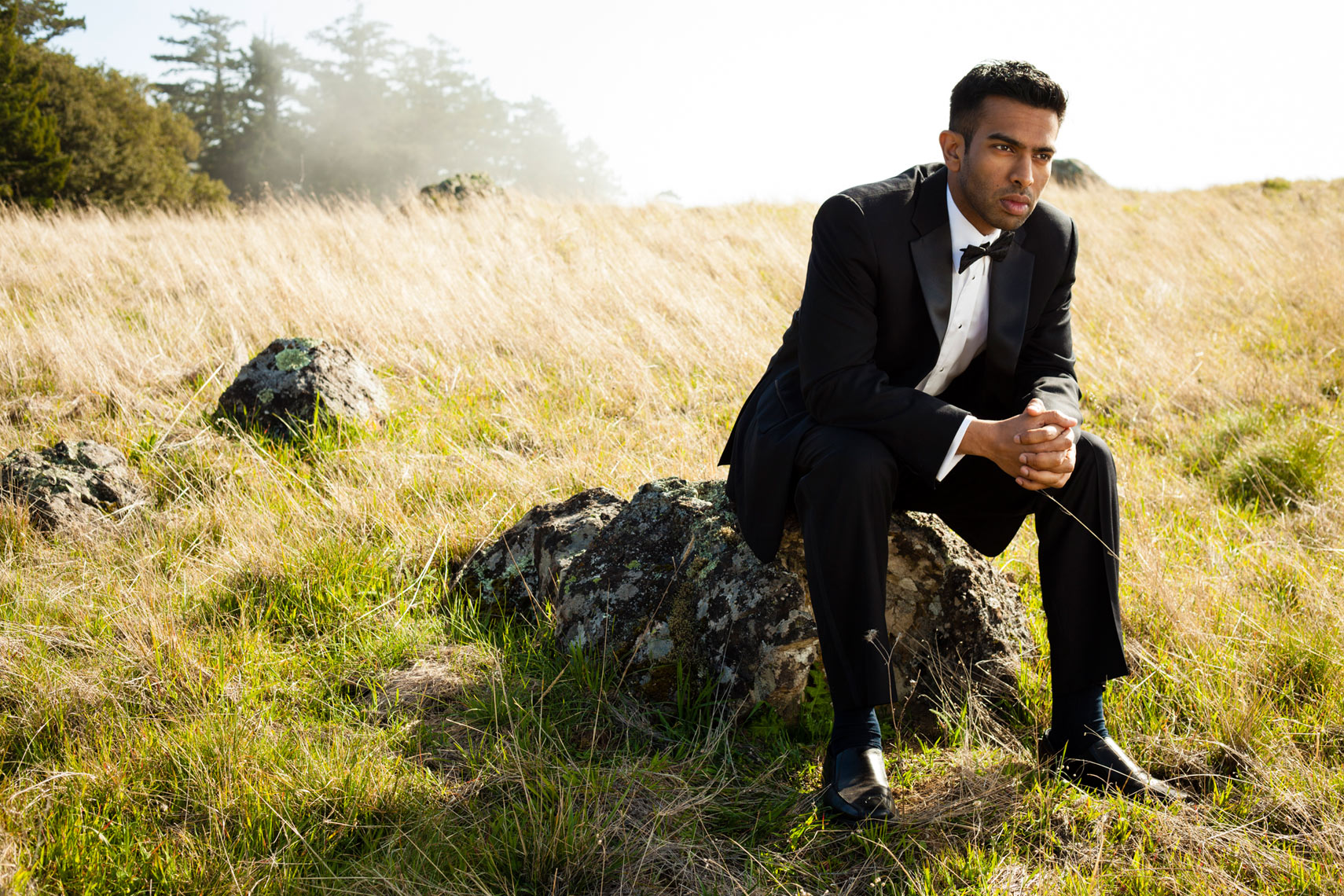 editorial_lifestyle_male_man_tuxedo_nature_landscape_Amanda_Hibbert_Photography_2__MG_4660_DesignX
